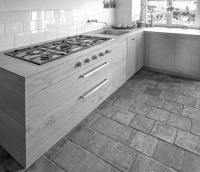 Alte Wassermühle #Küche #Design #Modern #Holz #Eiche #Stahl