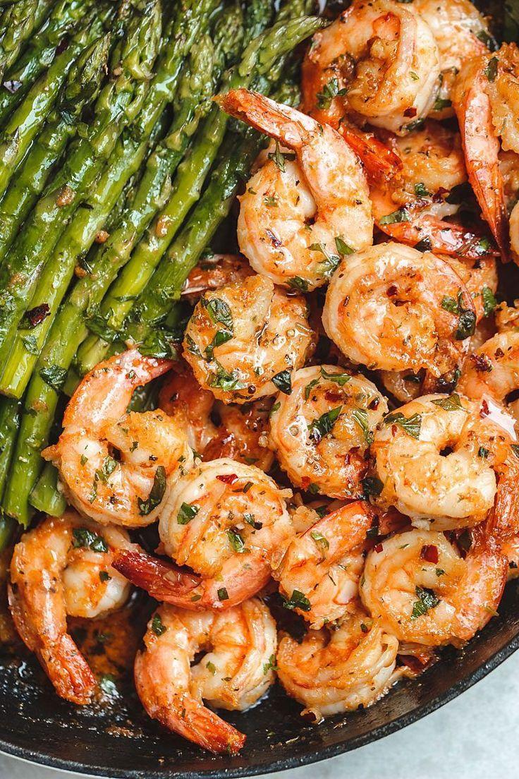 Knoblauch-Butter-Shrimps mit Spargel – So viel Geschmack und so leicht zu werfen …   – Yummy