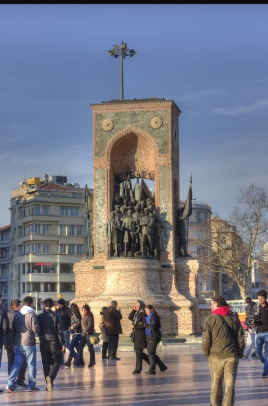 Turkey - Turkije (Istanbul/Taksim square/Taksim plein)