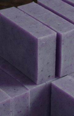 Natural Lavender Soap Recipe ~ Lovely Greens (VERY INFORMATIVE SITE!!! And many…