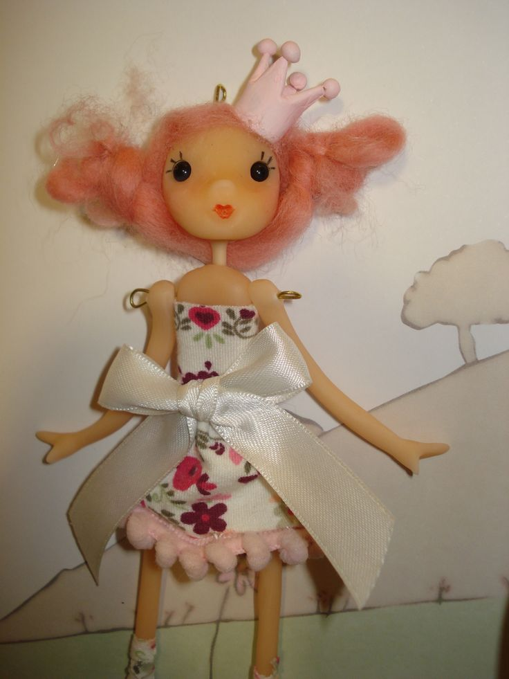 muñeca de porcelana fría.