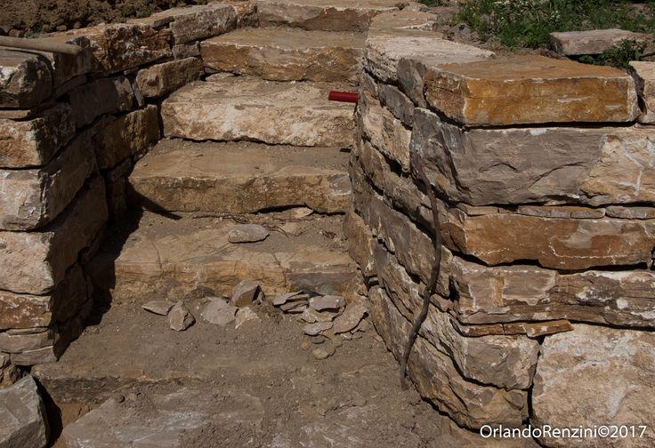 Pietra antica in lastre per muro a secco