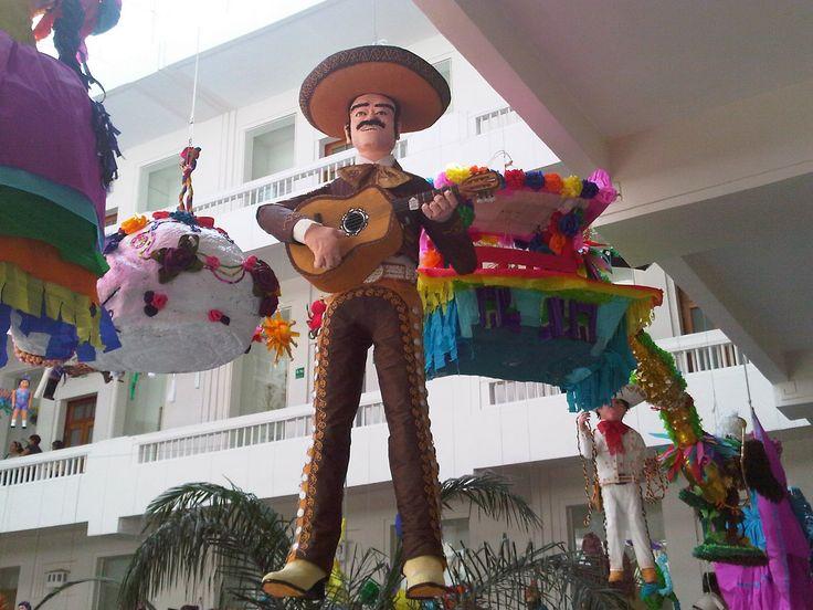 El día de hoy en el Museo de Arte Popular de la Ciudad de México se llevo a cabo la premiación del 4to Concurso de Piñatas 2010; podran disf...