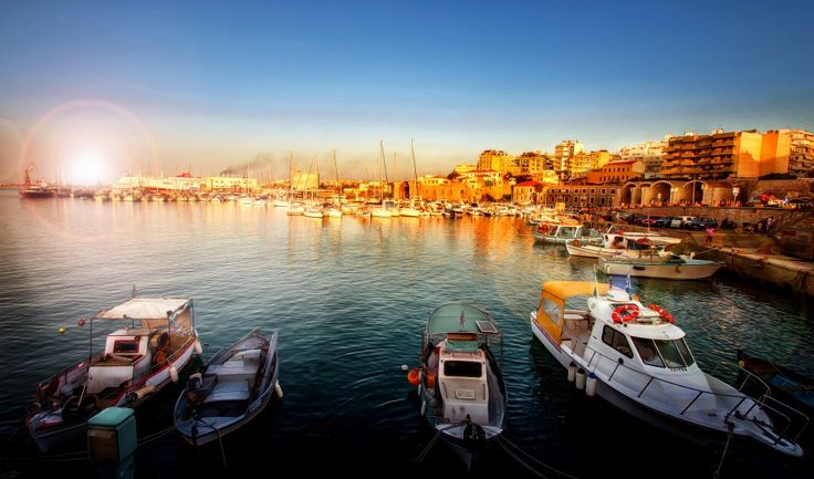 The top 5 things to do in the city of #Heraklion | Tips for short and long stay travellers! Read more at: http://sloorp.me/6hhAz #Crete #Greece #lifeincrete