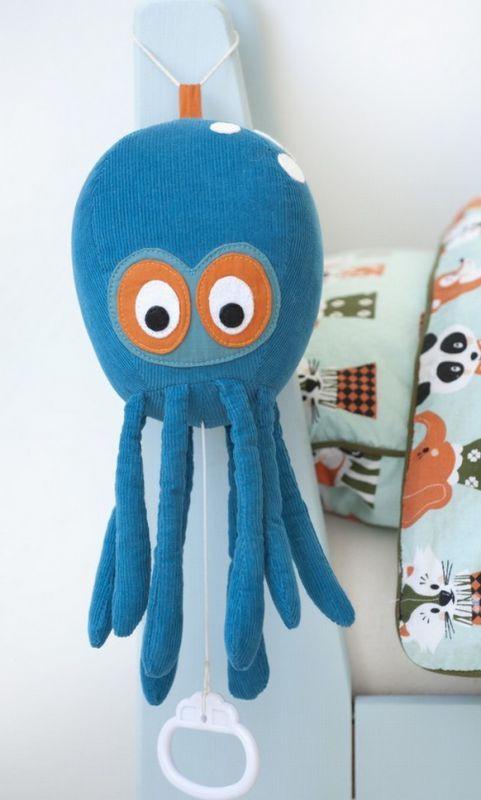 Blå blæksprutte musikuro fra Ferm Living
