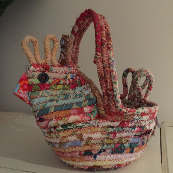 End of Day Quilters Chicken Egg Basket & Tutorial
