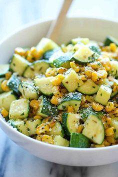 Zucchini mit Parmesan und Mais