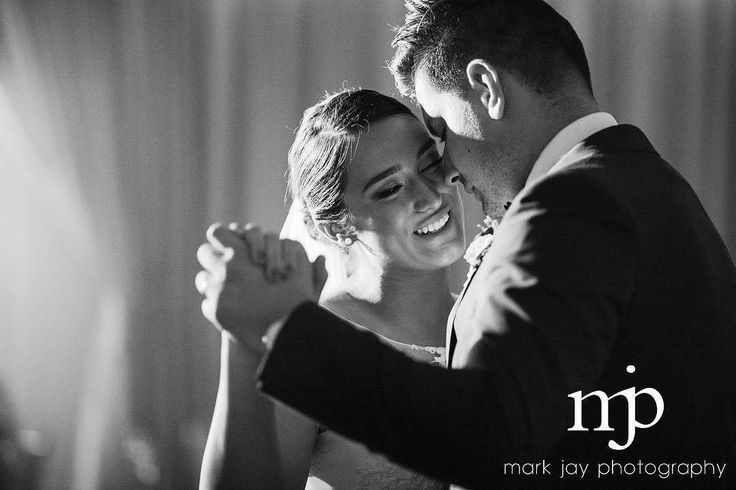 black + white wedding photography - first dance