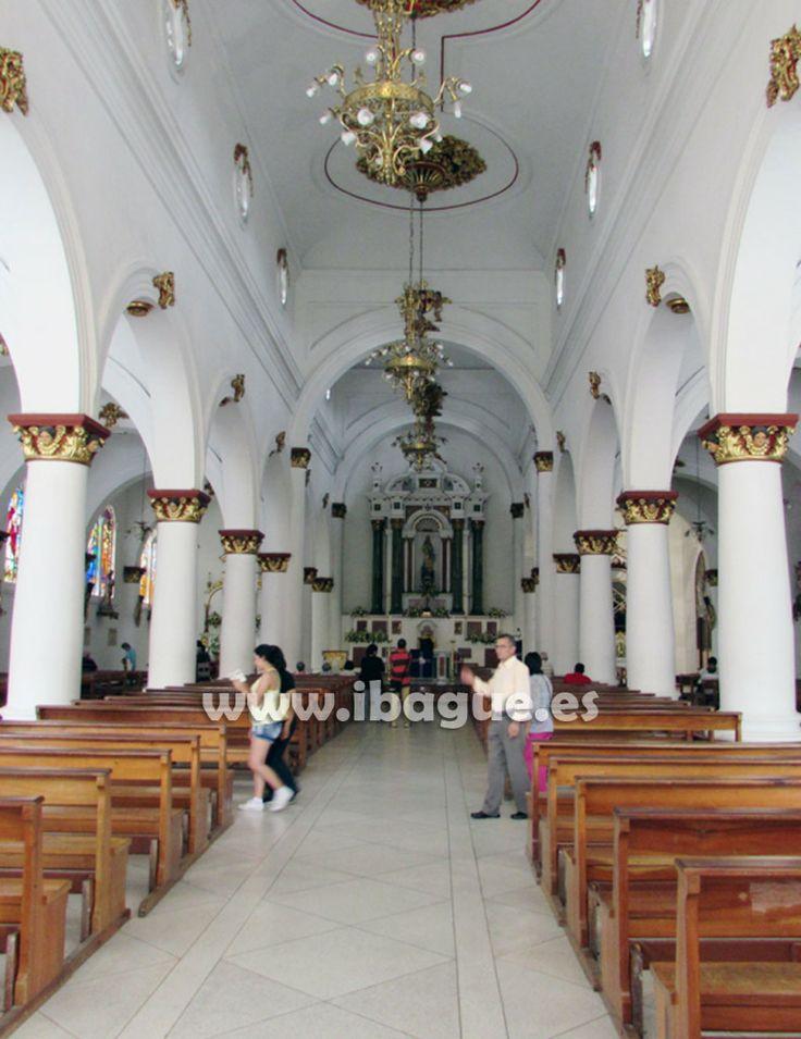 Interior de la Catedral de #Ibague una bella foto lograda por Claudia Beltrán del portal Ibague.es