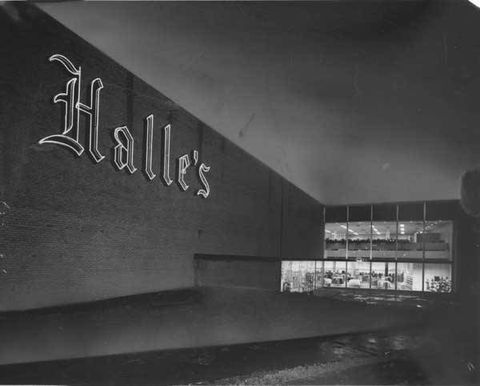 Halle's Department Store at Southland in Middleburg Heights (Plain Dealer File Photo)
