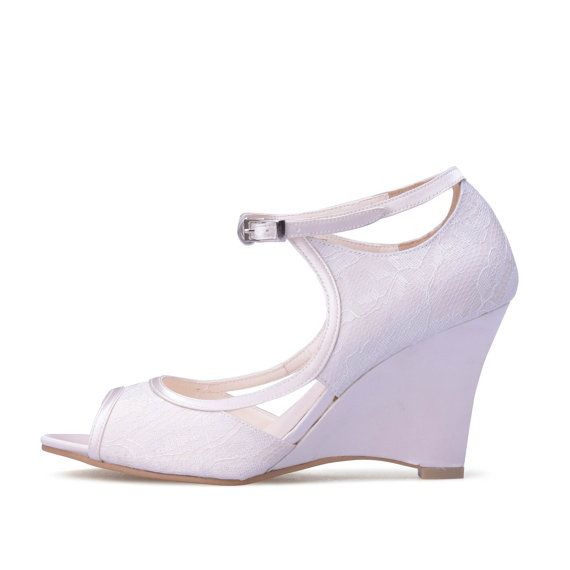 Isabelle Ivory Lace Wedge Wedding Shoes Ivory door ChristyNgShoes