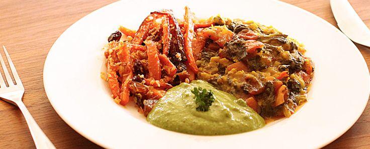 Jubileum menu hoofdgerecht: Tomaten in mung-dal, Worteltjes met kaneel, rozijnen en dadels, Cashew-peterselie-chutney | Maharishi Ayurveda