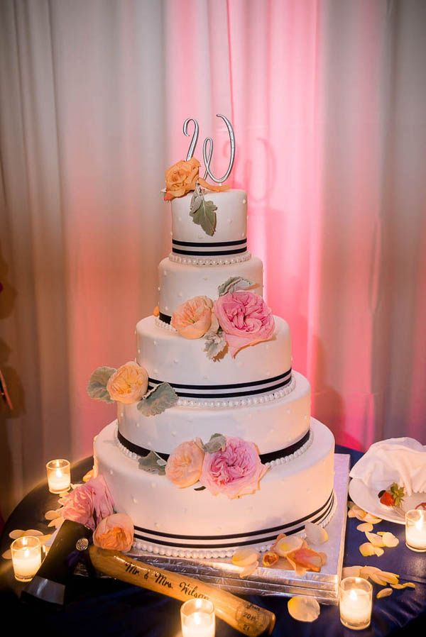 Simple But Pretty Use Black Ribbon And Put Peach And