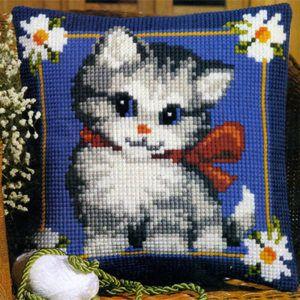 Набор  для вышивания крестиком VERVACO. Котенок на синем фоне Вервако 1200-680