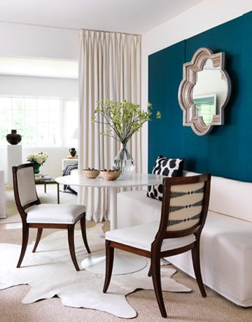 blue wallDecor, Dining Rooms, Wall Colors, Mirrors, Blue Wall, Diningroom, Painting Colors, Accent Walls, Dark Wall