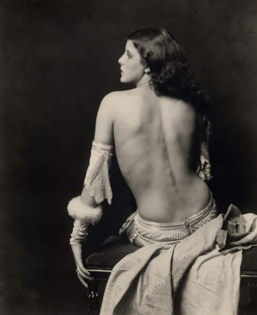 Grace Moore photo by Alfred Cheney Johnston 1920's