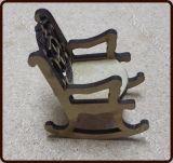 R$2,60 Mini cadeira de Balanço  encosto Decorado  Tamanho:  3 (largura) X 5 (altura)