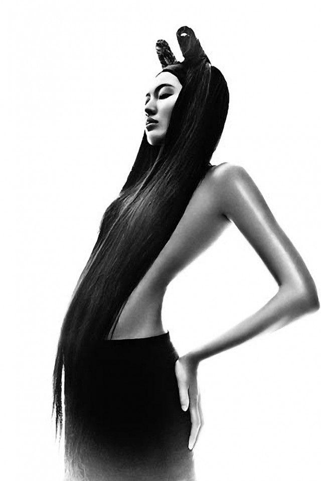 http://www.darkbeautymag.com/wp-content/uploads/2013/04/Bonnie-Chen-640x959.jpg