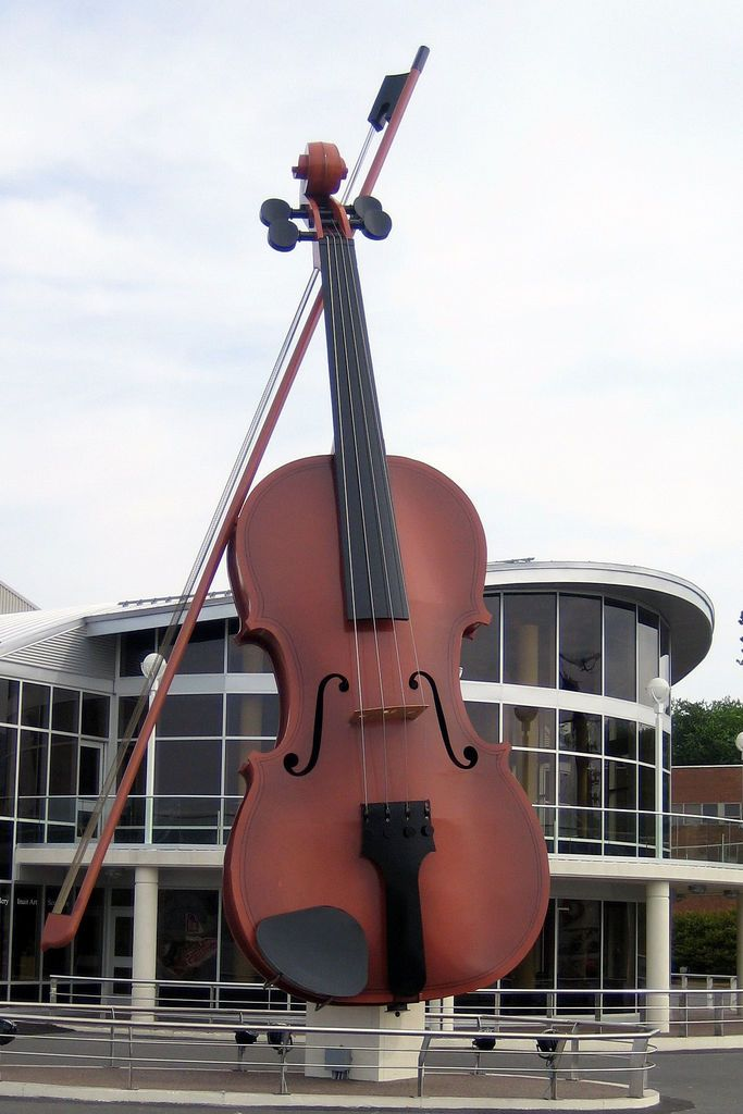 https://flic.kr/p/4ABFU | The Big Fiddle: Sydney, Nova Scotia