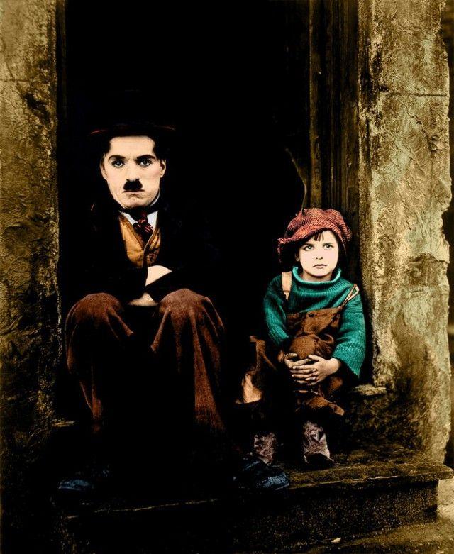 Чарли Чаплин в раскрашенных фотографиях, сделанных в 1910-1930-х годах