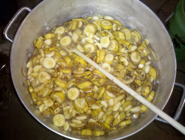 How to Make Homemade Banana Wine | Celebration Generation: Food, Life, Kitties!