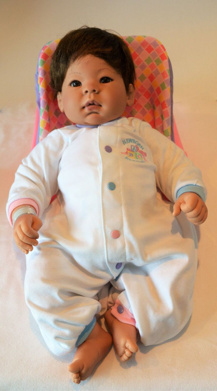 "Unisex Asian Newborn Baby Doll ""Lee""- Doll Therapy for People with Alzheimer's and Caregivers"