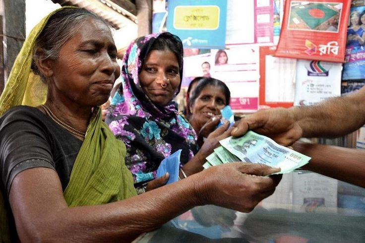 Devastating floods hit Bangladesh in August, impacting nearly 2 million people. Thanks to donations of US$2.6 million from DFID and over US$527,000 from ECHO, WFP has reached almost 19,500 households with mobile phone cash transfers. (6 November 2014)