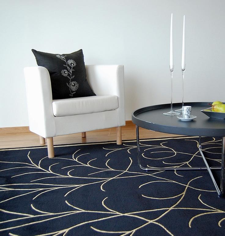 Stark minimalistic black and white interior from carpetvista com