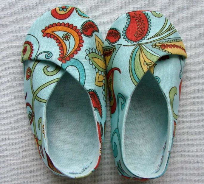 DIY Sew some baby shoes! I had no idea you could sew shoes. These would be a really cute baby shower gift.