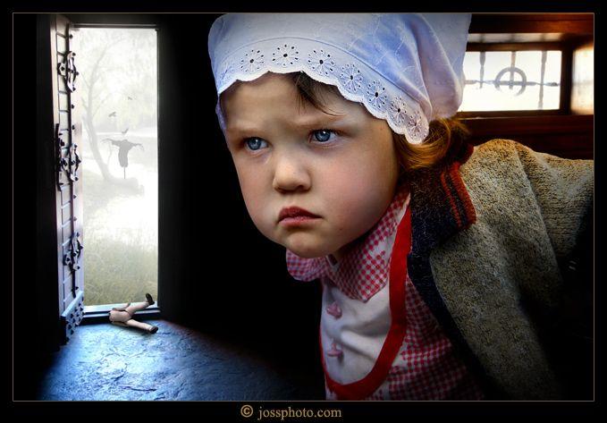 Broken doll: Photo by Photographer Josephine Chervinska - photo.net