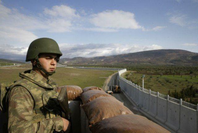 Τείχος με το Ιράν χτίζει η Τουρκία: Την ανέγερση ενός «τείχους ασφαλείας» στα σύνορά της με το Ιράν ξεκίνησε η Τουρκία, σύμφωνα με τον…