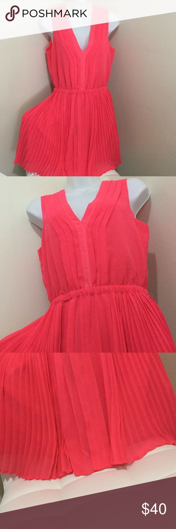 Victoria Secret Dress Pre owed Small I only Wore these ones... Super Cute 😘💓💓😊 Retail $99 Victoria's Secret Dresses Midi