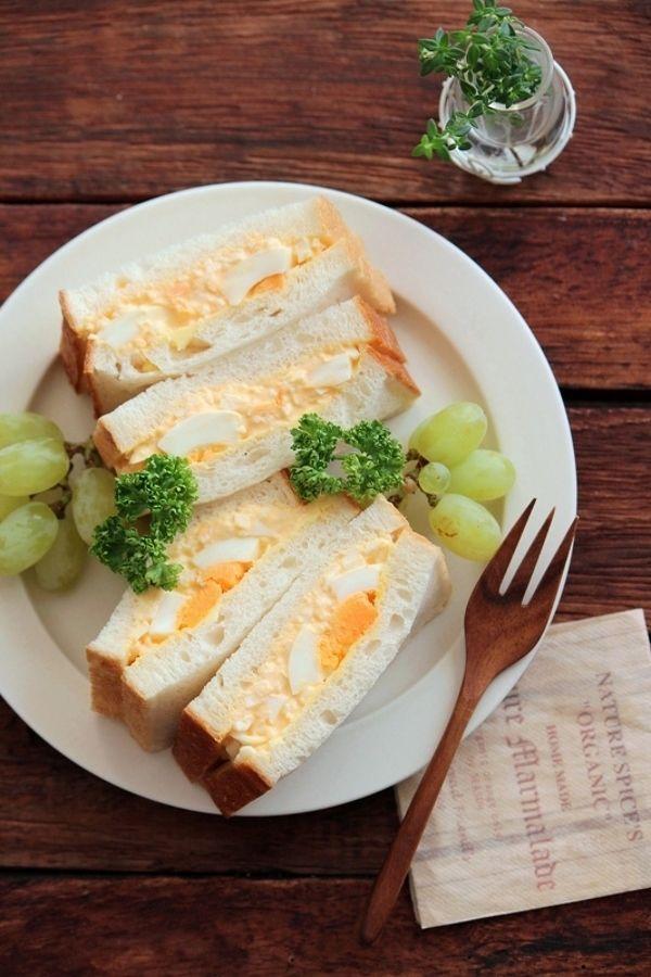燻製バターで、ごろんと卵サンド。 by 栁川かおり | レシピサイト ...
