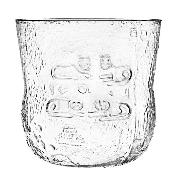 Fauna by Oiva Toikka, designed in 1969. This christal clear bowl is 390 cl and 800 pieces were produced only.   Fauna oli tuotannossa useissa väreissä vuoteen 1984 asti. Kulho sopii niin jälkiruoille, hedelmille, salaatille kuin boolimaljaksi tai vaikkapa kukille. Loistava tuote kesäjuhliin! Näyttävä kulho toimii sisustuselementtinä tyhjänäkin. Kulhossa on Nuutajärven historiasta muistuttava Nuutajärvi-logo.