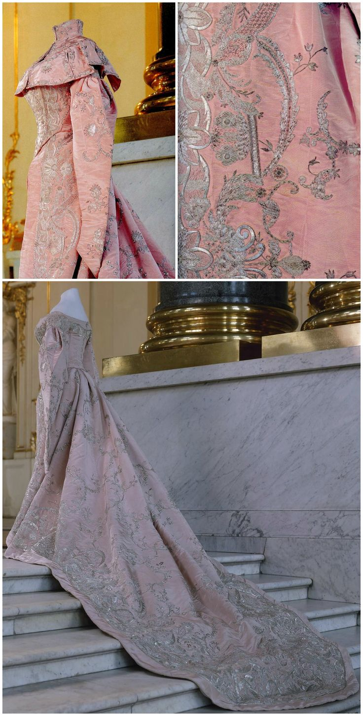 Ceremonial court dress, Russia, late 19th to early 20th century. Silk and metal thread. State Hermitage Museum, St. Petersburg (link: http://www.hermitagemuseum.org/wps/portal/hermitage/digital-collection/08.+Applied+Arts/1263437/?lng=en). The top two photos are via Belleza_Storia on LiveJournal (link: http://bellezza-storia.livejournal.com/100645.html?style=mine#cutid1). CLICK FOR LARGER IMAGES.