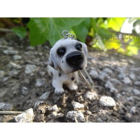 ¿Te gustan los #Dálmata? No te puede faltar este bonito #llavero inspirado en la raza de #perros dálmata. Fabricado en resistente resina, no podrás dejar de mirar este detallado llavero.  Medidas de la figura: 4cm de alto x 2,5cm de ancho.   #dalmatas #dalmata