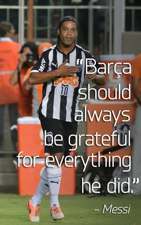 FC Barcelona powinna być wdzięczna za wszystko co dla niej zrobił • Lionel Messi o karierze Ronaldinho w FC Barcelonie • Zobacz >> #ronaldinho #messi #lionelmessi #barca #barcelona #fcbarcelona #football #soccer #sports #pilkanozna #futbol