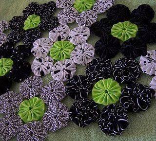 Black, White and Green Yo-Yo Quilt