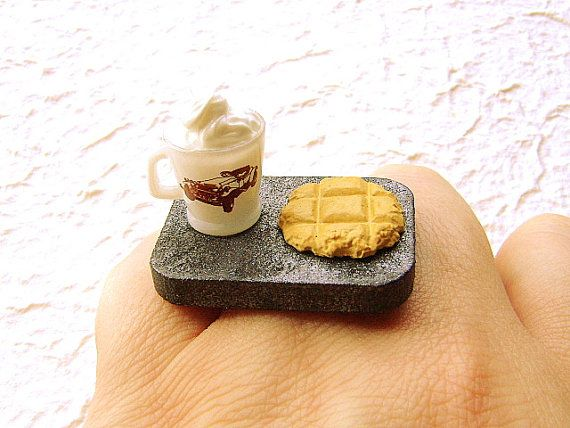 Ahhh...super cool ring