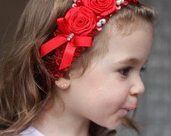 Faixa vermelha de paetê bordada