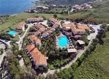Tussen de heuvels aan de noordkust van Lesbos, met een schitterend panoramisch uitzicht over zee, ligt dit bijzonde plekje waar je Appartementen Moliv..