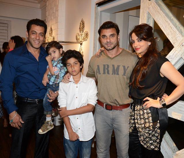 Salman Khan with brother Sohail Khan, wife Seema and their children