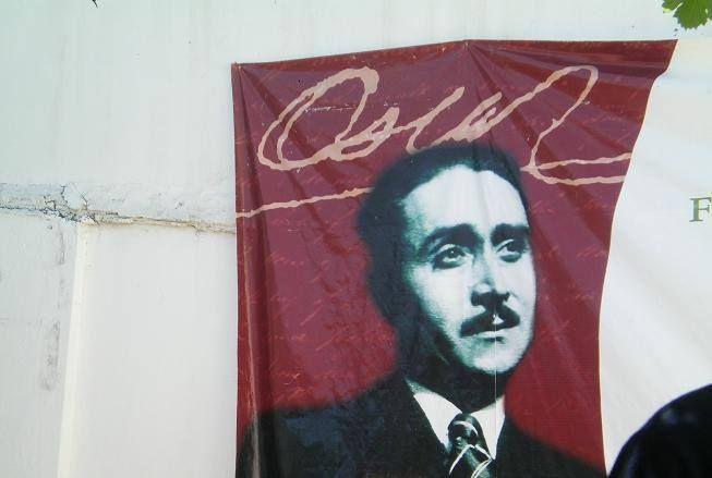 Oscar Castro 1910-1947 Pese a su corta existencia, este creador de originalidad casi excéntrica y voz cristalina dejó un importante legado en las letras chilenas. Su poesía está impregnada de honda melancolía; su narrativa, de crudo realismo.