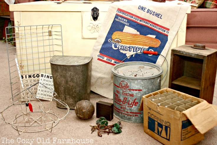 "The Cozy Old ""Farmhouse"": Springfield Flea Market & Vintage Junk Extravaganza"