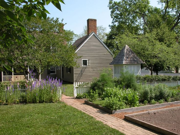 Colonial Williamsburg Gardens | Kevin Browne   Photos