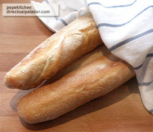Baguette o pan francés.We commonly named it as PAN CANILLA, because resemble thing long legs. I know is french but still a everyday icon in ours life.