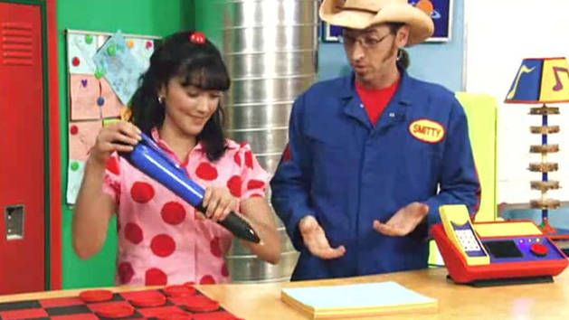 The Imagination Movers perform Nina's Song from their hit show.