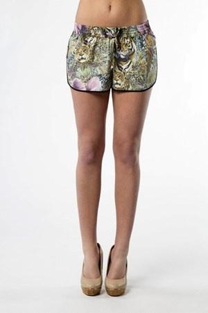 djungelprint shorts från Maison Scotch     Cool printed shorts from Masion Scotch