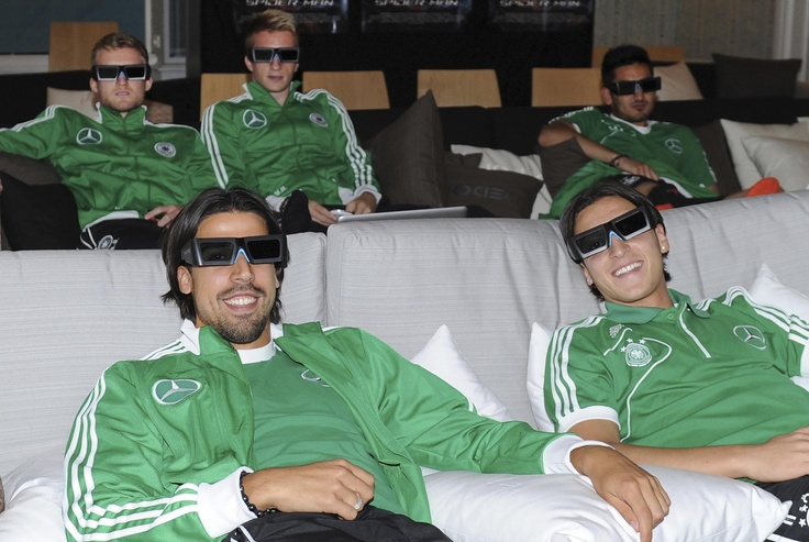 German players watching a 3D film