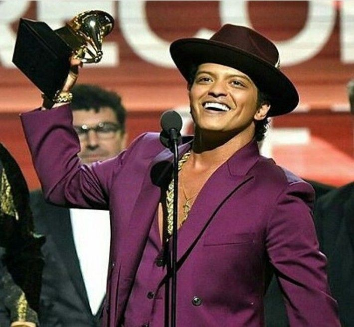 Bruno Mars New Album 2016 Delayed Because of Coldplay - http://www.australianetworknews.com/bruno-mars-new-album-2016-delayed-coldplay/